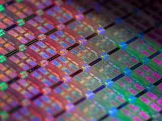 AMD下一代CPU性能暴增 GF明年量产7nm工艺