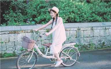 夏日清凉甜美可爱养眼美女高清壁纸第一辑 美女图片