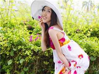 精选夏日清凉美女高清壁纸 美女图片