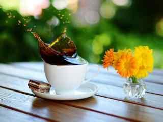 精致水杯图片下载 可爱果汁水杯桌面壁纸 水杯系列桌面