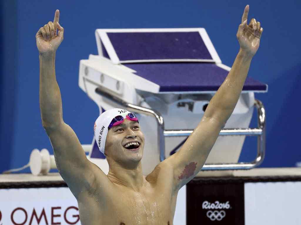 里约奥运冠军孙杨比赛壁纸 孙杨200米夺冠图片 孙杨图片