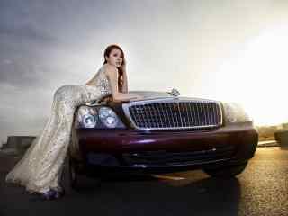 美女车模性感桌面壁纸 时尚车模养眼摄影壁纸下载