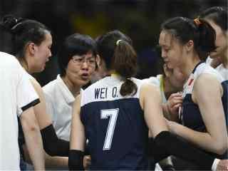 2016里约奥运中国女排图片 中国女排进入决赛壁纸  女排庆祝胜利壁纸下载