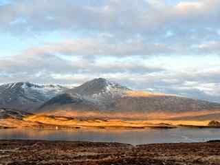 湖泊自然美景图片 清澈唯美湖泊高清壁纸 湖泊桌面壁纸