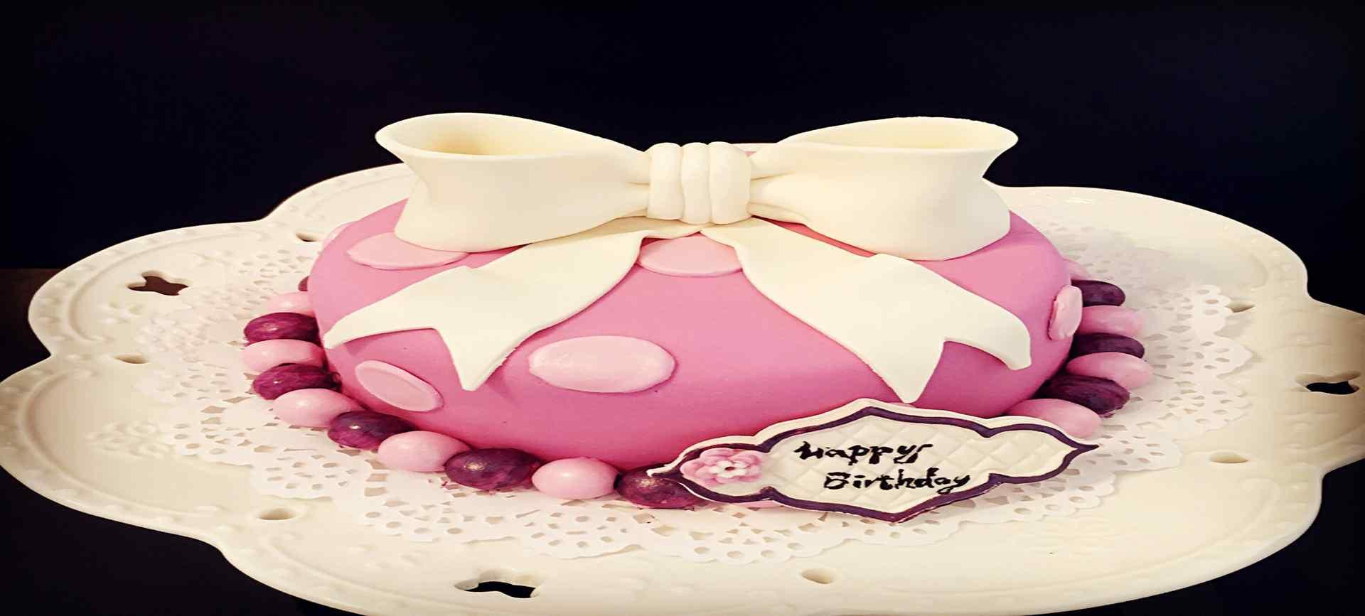 翻糖蛋糕_翻糖蛋糕图片_翻糖蛋糕可爱_翻糖蛋糕美食壁纸