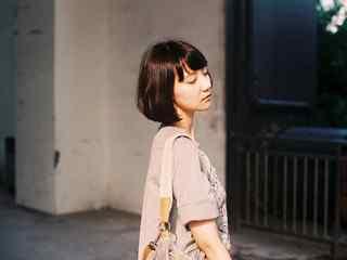 短发美女_短发女星图片_短发美女图片壁纸_短发美女手机壁纸、桌面壁纸