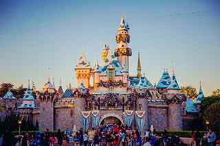 迪士尼乐园_迪士尼乐园图片_迪士尼乐园桌面壁纸_迪士尼乐园手机壁纸_卡通图片