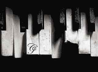 唯美钢琴图片_钢琴唯美壁纸_复古钢琴图片_钢琴图片桌面壁纸_弹钢琴的美女图片_钢琴黑白键图片_钢琴图片大全