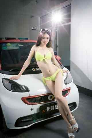 黃色(se)泳裝車模高清手機壁紙