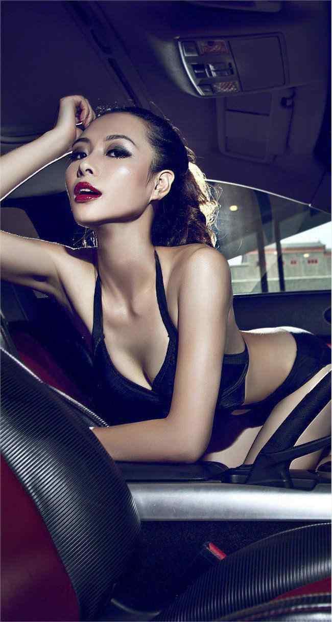 辣妹车模高清手机壁纸_车模壁纸