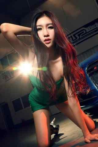 绿衣车模手机壁纸