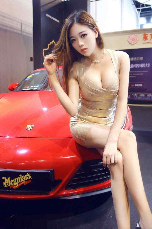性感xie)笮xiong)車模美女(nv)