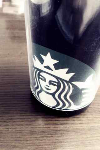 星巴克黑色杯子创意手机壁纸