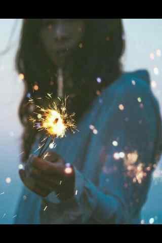 欧美女孩唯美焰火图片