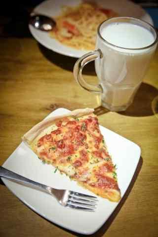 美味下午茶披萨图片手机壁纸