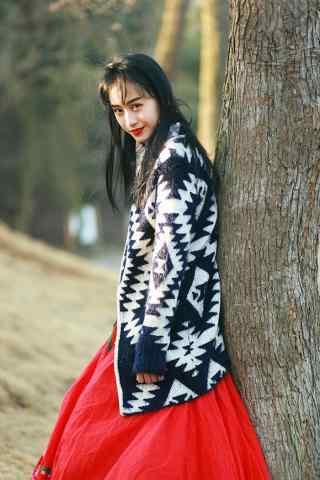 文艺复古的长裙美女红唇妆图片手机壁纸