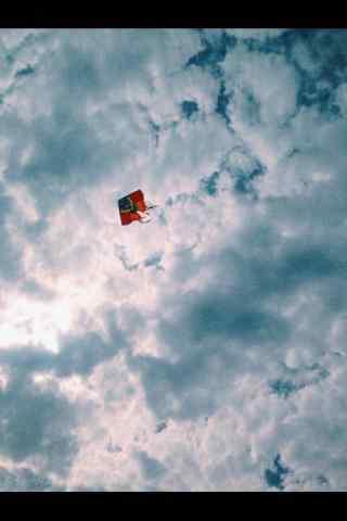 清明节习俗-唯美蓝天上的风筝