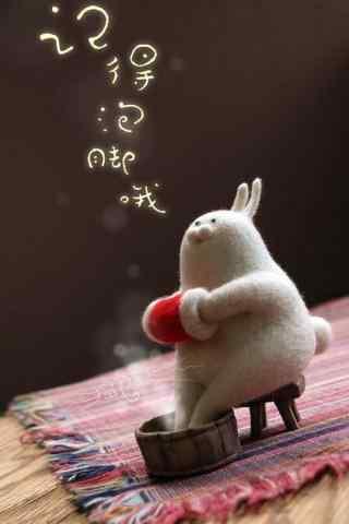 创意毛毡小兔子泡脚手机壁纸