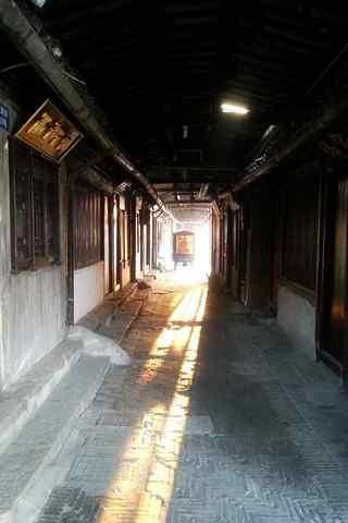 西塘古镇小巷中的第一缕阳光手机壁纸