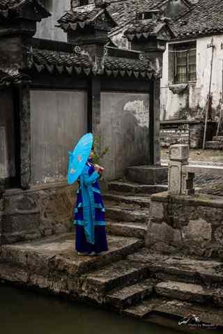 美丽古镇甪直与美丽的江南女子手机壁纸