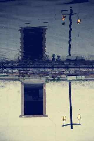 个性创意南浔古镇水中的倒映手机壁纸