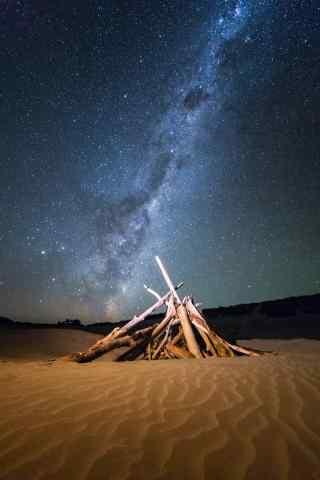 新西兰星空下的沙漠手机壁纸