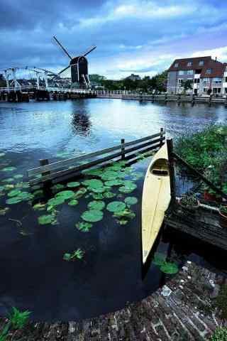 唯美的荷兰小镇雷顿风景手机壁纸