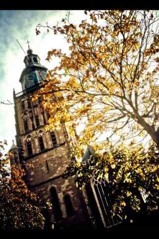 荷兰Walburg教堂秋日风景手机壁纸