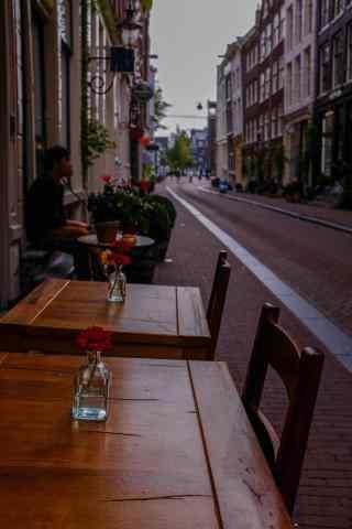 文艺复古风格荷兰街头风景手机壁纸