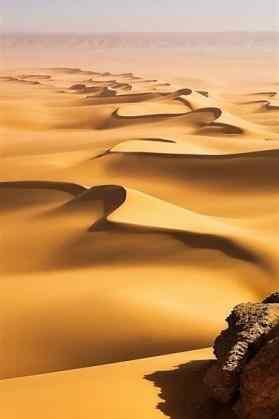 美丽的沙漠风景手机壁纸