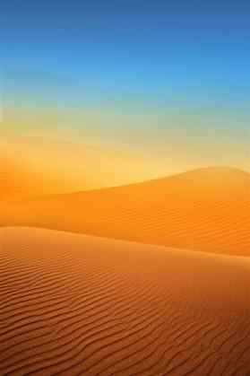 唯美的沙漠风景手机壁纸