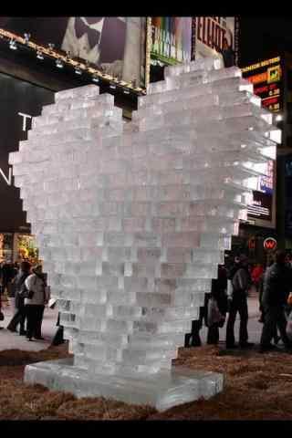 哈尔滨冰雕展之爱心冰雕手机壁纸