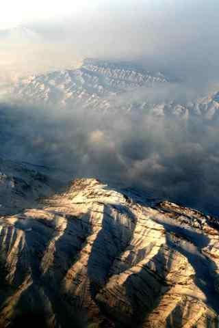 云雾中自然风景手机壁纸