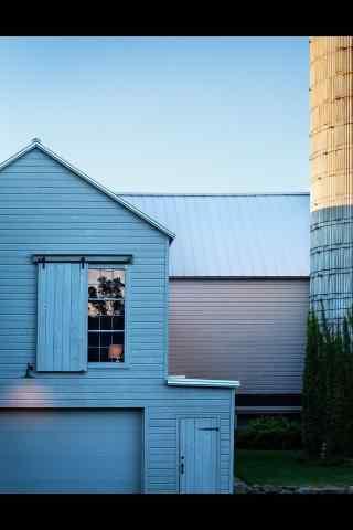 美丽的农场白房子建筑风景图片