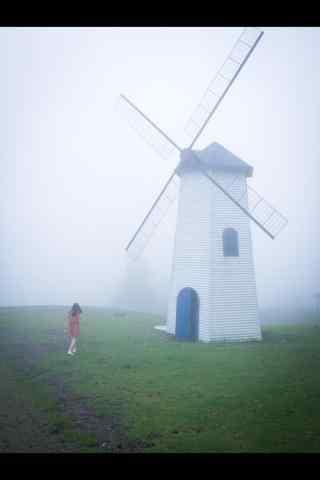 唯美的农场风车图片手机壁纸
