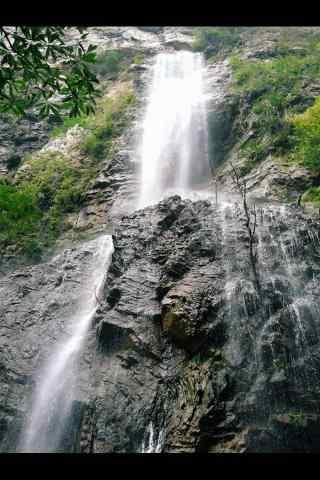 山间瀑布图片手机壁纸
