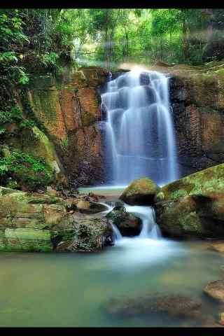 瀑布流水风景图片手机壁纸