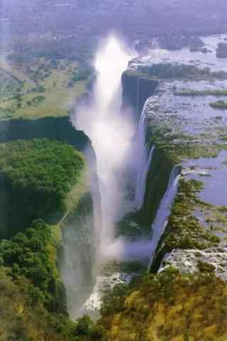 峡谷间的瀑布风景图片手机壁纸
