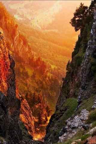 唯美的山谷风景手机壁纸