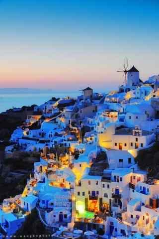 圣托里尼独特灯光梦幻夜景图片手机壁纸