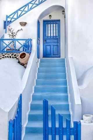 圣托里尼蓝白色小镇图片手机壁纸