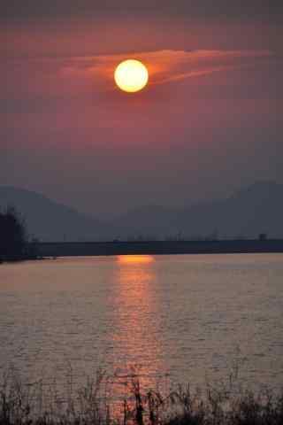 美丽的青云湖夕阳风景手机壁纸