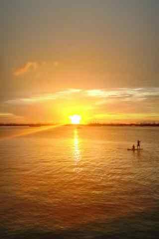 灿烂的大海上的晚霞风景手机壁纸