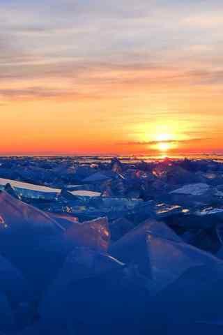 贝加尔湖冰湖上的朝霞风景图片手机壁纸