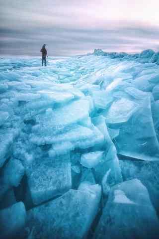 贝加尔湖特色冰块图片手机壁纸