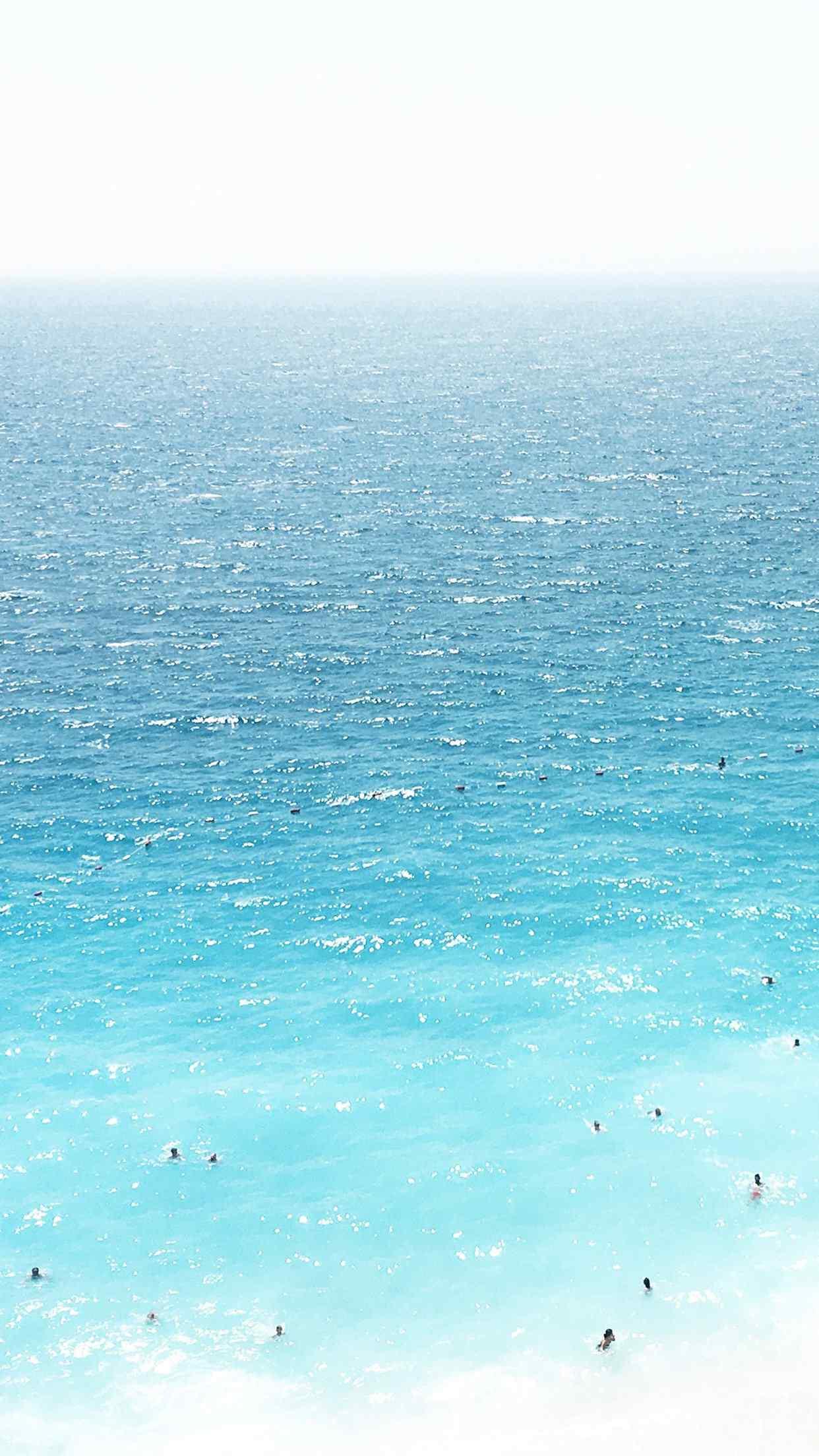 碧蓝色的大海唯美手机壁纸