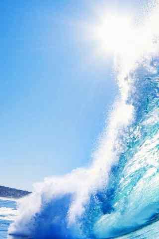 蓝天下的海浪手机壁纸