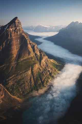 唯美云雾缭绕的山