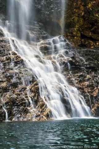 清新好看的庐山瀑布手机壁纸