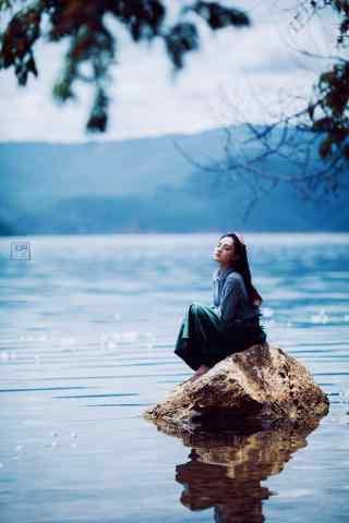 泸沽湖美女写真高